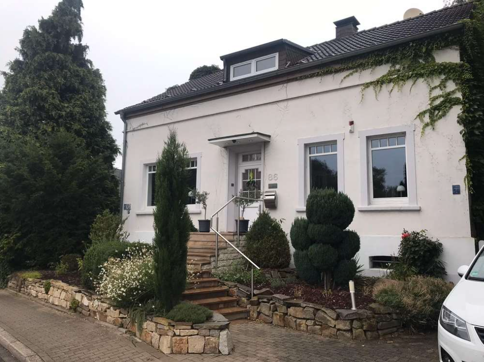 Charmantes freistehendes Einfamilienhaus in ruhiger Lage